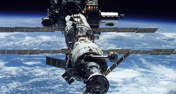 Do we still need astronauts?